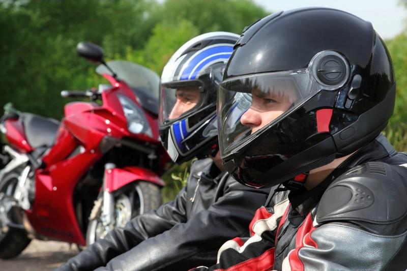 Khách Tây rỉ tai nhau mẹo 'sống sót' khi đi xe máy ở VN - ảnh 8