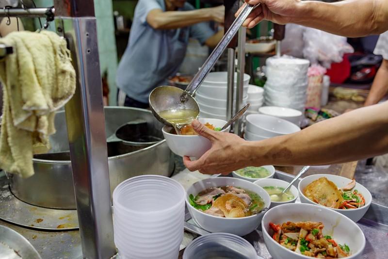 Tiệm mì 70 năm của người Hoa giữa lòng Sài Gòn - ảnh 3