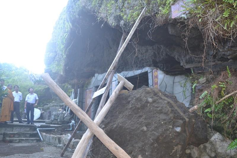 Sạt lở nghiêm trọng tại thắng cảnh chùa Đục Lý Sơn - ảnh 2