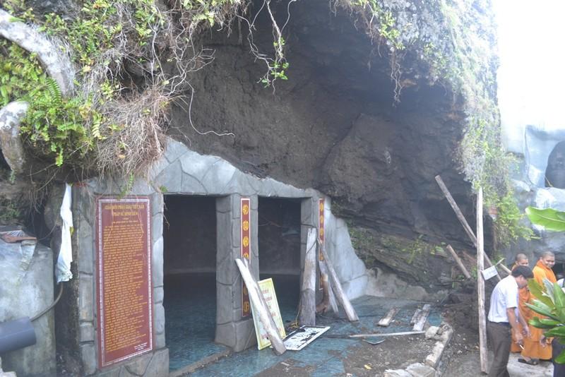 Sạt lở nghiêm trọng tại thắng cảnh chùa Đục Lý Sơn - ảnh 1