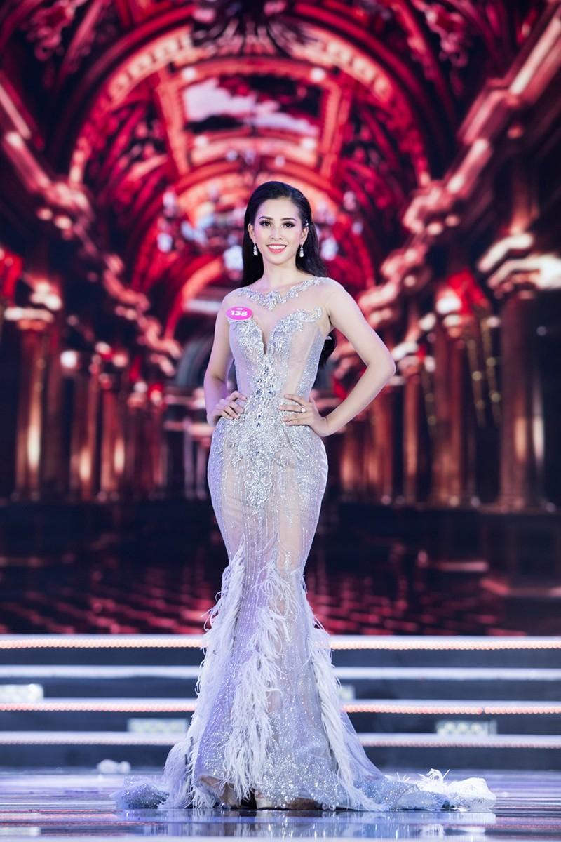 Cô gái Quảng Nam Trần Tiểu Vy đăng quang hoa hậu Việt Nam 2018 - ảnh 7