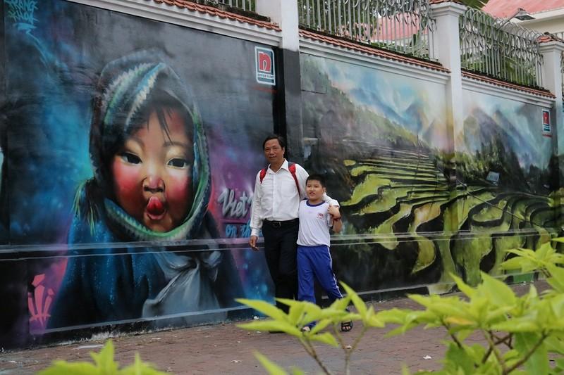 Ngẩn ngơ tranh tường trên phố Sài Gòn - ảnh 11