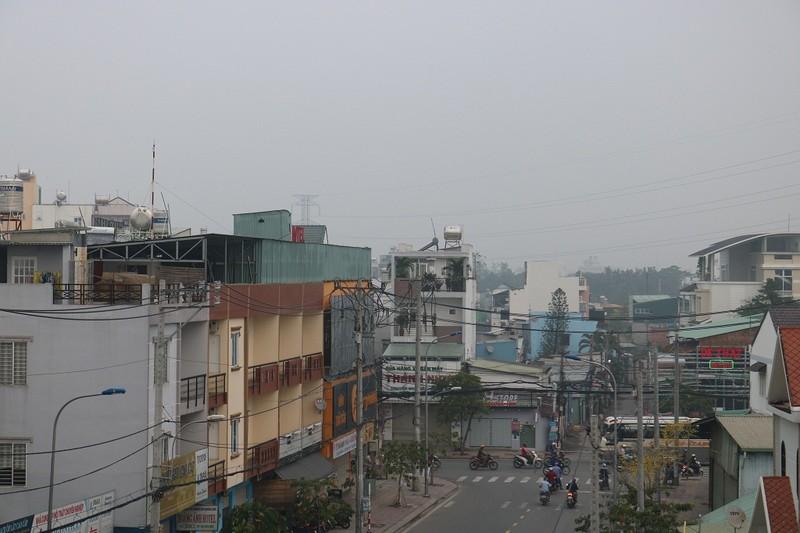 'Mù khô' tiếp tục bủa vây người Sài Gòn ngày cuối tuần - ảnh 3