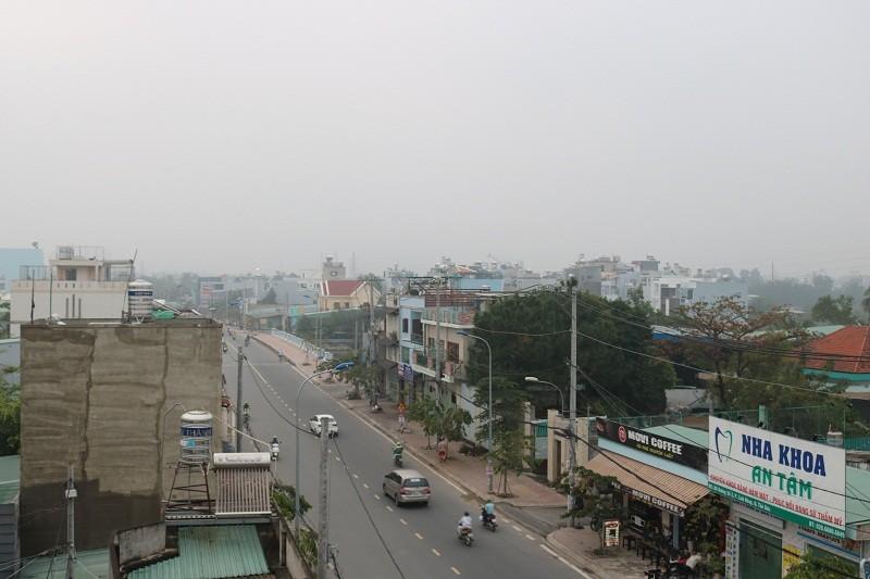 'Mù khô' tiếp tục bủa vây người Sài Gòn ngày cuối tuần - ảnh 1