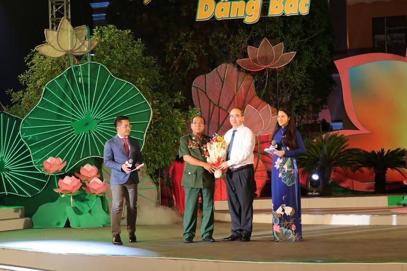 Bí thư Nguyễn Thiện Nhân kêu gọi giới trẻ 'thi đua ái quốc' - ảnh 2