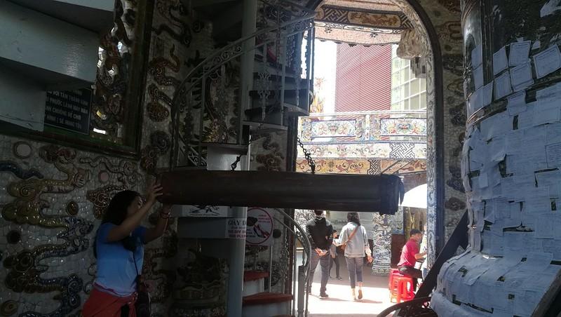 Chuyện về ngôi chùa 've chai' giữ nhiều kỷ lục ở Đà Lạt - ảnh 11