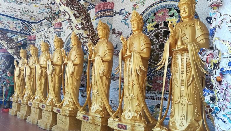 Chuyện về ngôi chùa 've chai' giữ nhiều kỷ lục ở Đà Lạt - ảnh 13