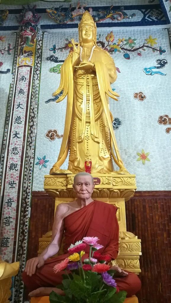 Chuyện về ngôi chùa 've chai' giữ nhiều kỷ lục ở Đà Lạt - ảnh 15