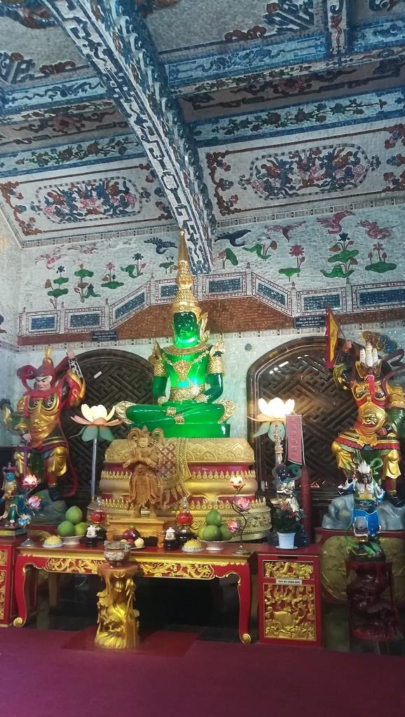 Chuyện về ngôi chùa 've chai' giữ nhiều kỷ lục ở Đà Lạt - ảnh 4