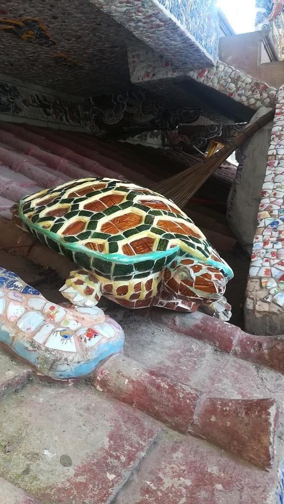 Chuyện về ngôi chùa 've chai' giữ nhiều kỷ lục ở Đà Lạt - ảnh 7