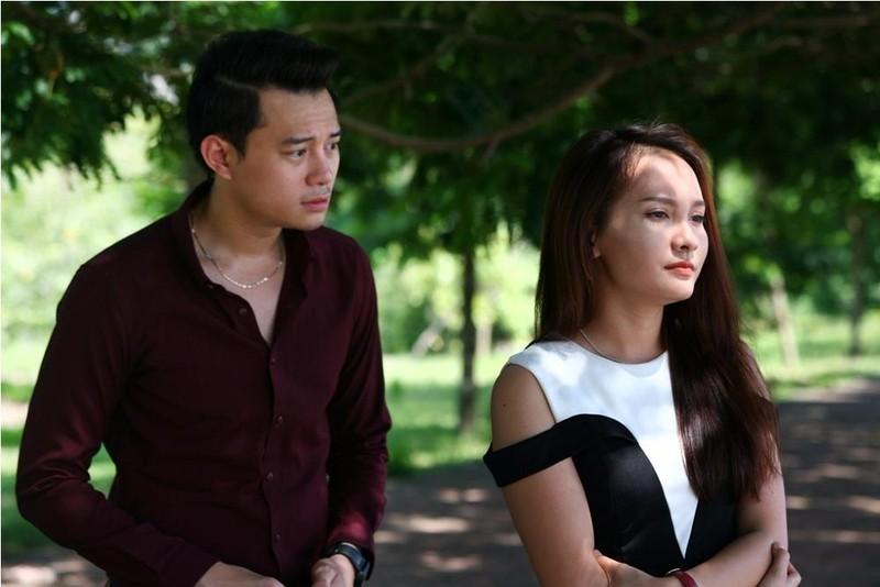 Diễn viên Bảo Thanh (phải) trong vai con dâu trong phim.