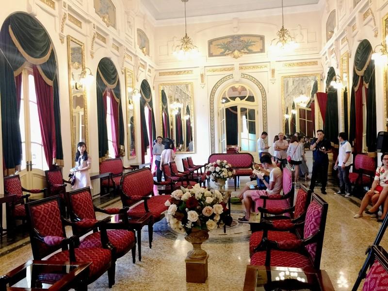 Nhà hát lớn Hà Nội chính thức mở cửa, giá vé 400.000 - ảnh 1