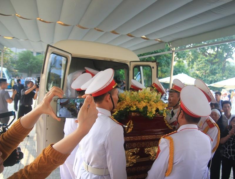 Gia đình cụ Hoàng Thị Minh Hồ tặng lại tiền phúng điếu - ảnh 9