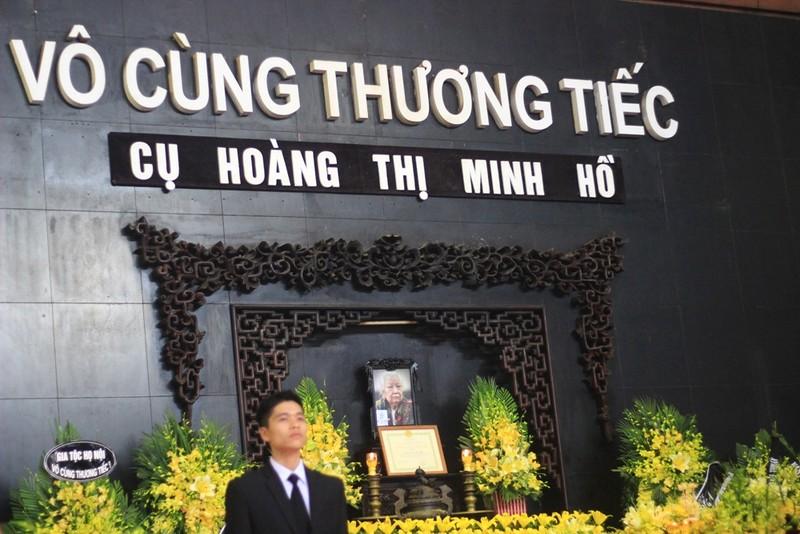 Gia đình cụ Hoàng Thị Minh Hồ tặng lại tiền phúng điếu - ảnh 4