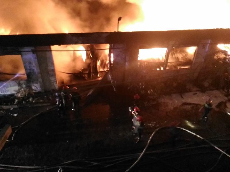 Cháy lớn trong khu công nghiệp Tân Bình - ảnh 4