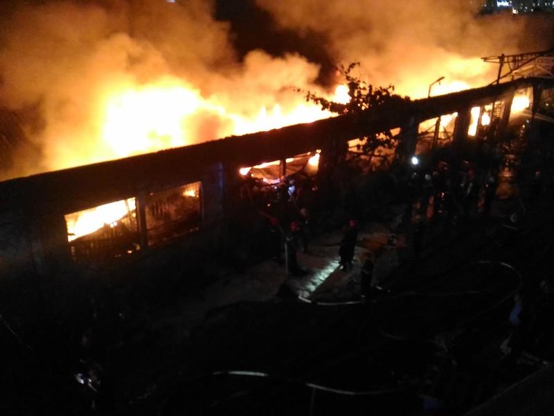 Cháy lớn trong khu công nghiệp Tân Bình - ảnh 2