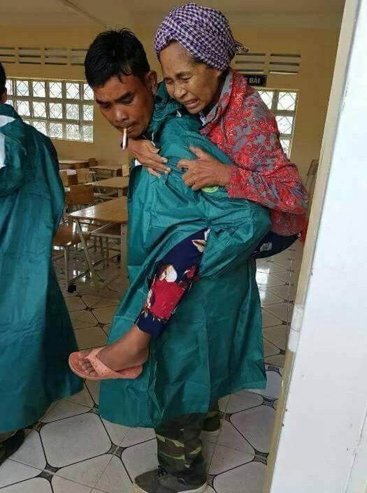 Sóc Trăng: Di dời dân ven biển tránh bão 16 - ảnh 4