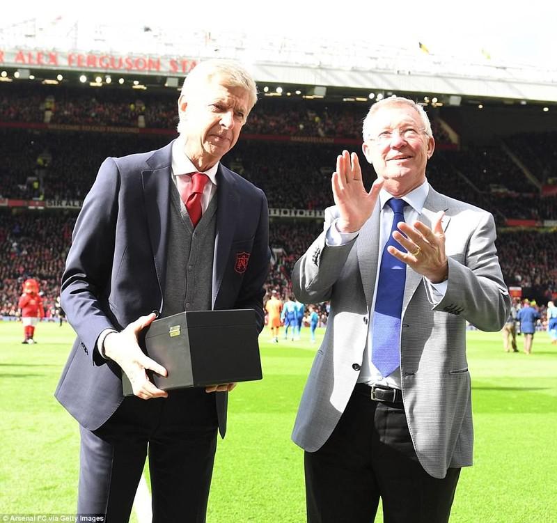 Huyền thoại Sir Alex Ferguson nguy kịch,cả thế giới cầu nguyện - ảnh 2