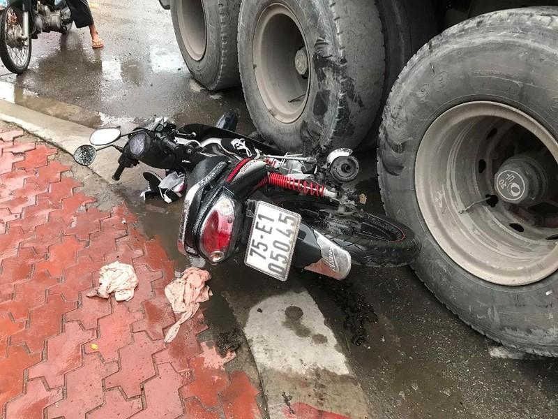 Quận 12: 1 phụ nữ trọng thương dưới bánh xe đầu kéo - ảnh 1