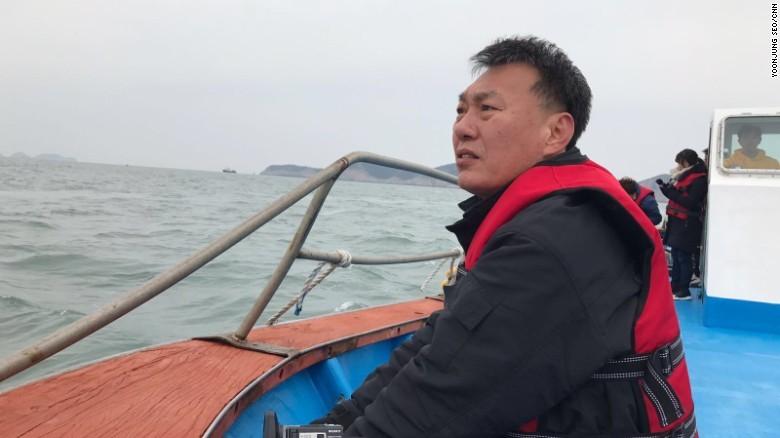 Hàn Quốc trục vớt phà Sewol tìm 9 thi thể mắc kẹt - ảnh 3