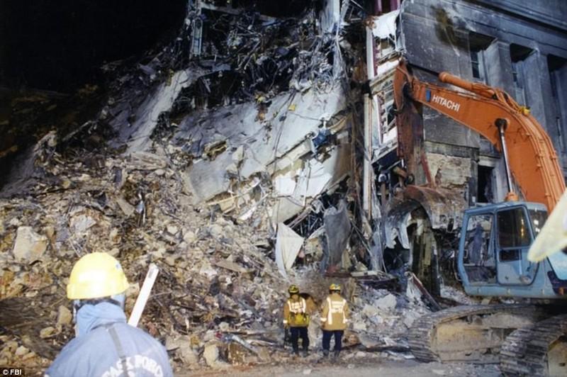 Ảnh Lầu Năm Góc tan hoang sau vụ khủng bố 11-9 - ảnh 6