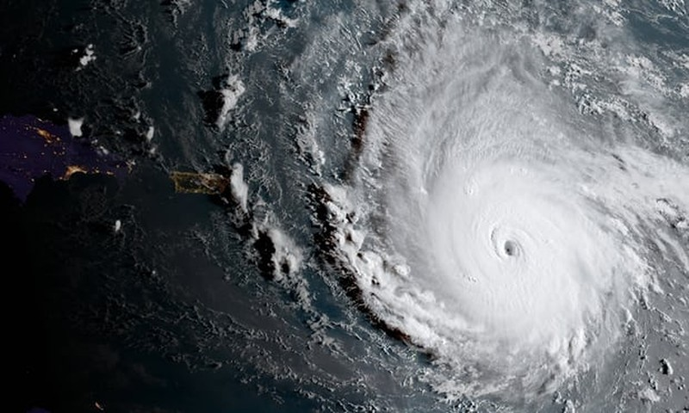 Siêu bão lịch sử Đại Tây Dương tiến về nước Mỹ - ảnh 1