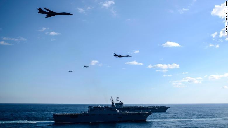 Cận cảnh tàu sân bay Mỹ tập trận gần bán đảo Triều Tiên - ảnh 1