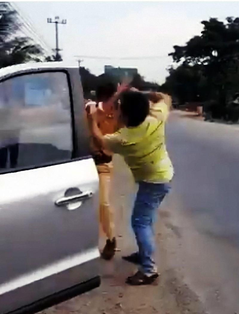 Công an thông tin về clip 'dân đánh CSGT' - ảnh 2