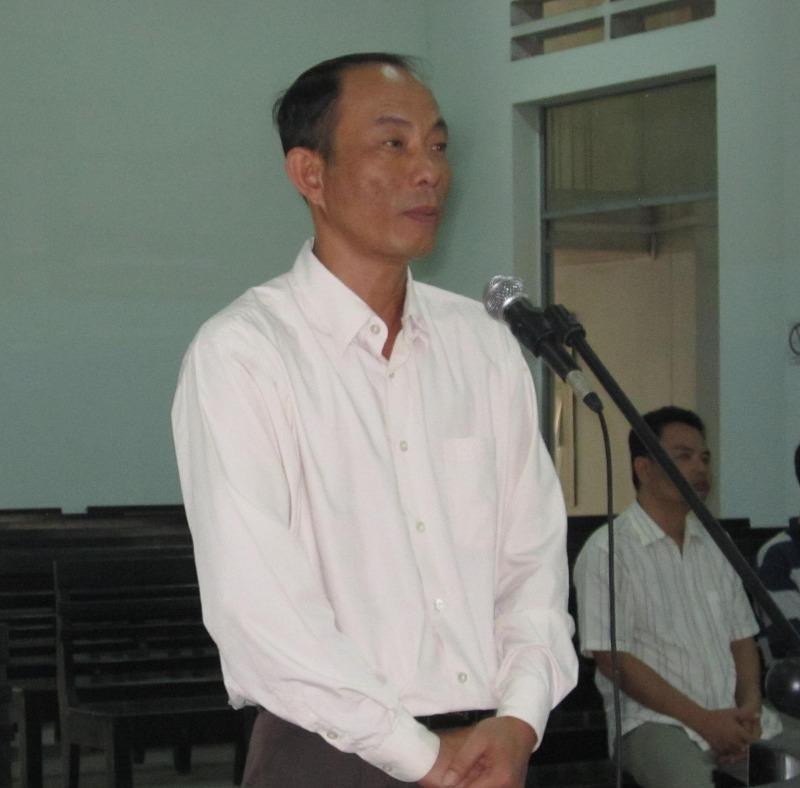 Cựu công an 'ăn chặn' kỳ nam của phu trầm tiếp tục hầu tòa - ảnh 1
