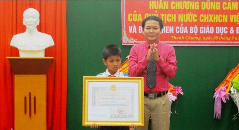 Học sinh lớp 5 được Chủ tịch nước tặng huân chương - ảnh 1