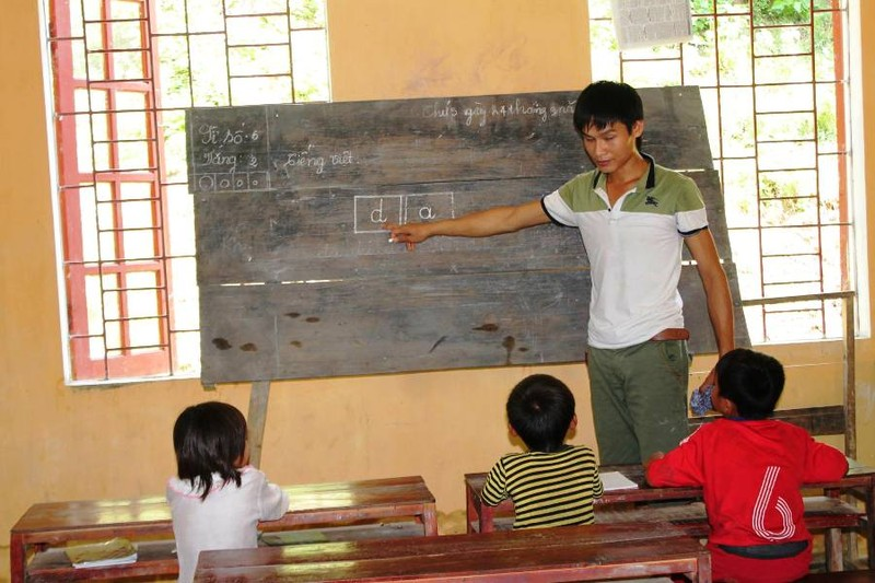 Huyện xin lỗi và chi trả gần 5,7 tỉ đồng cho học sinh  - ảnh 1