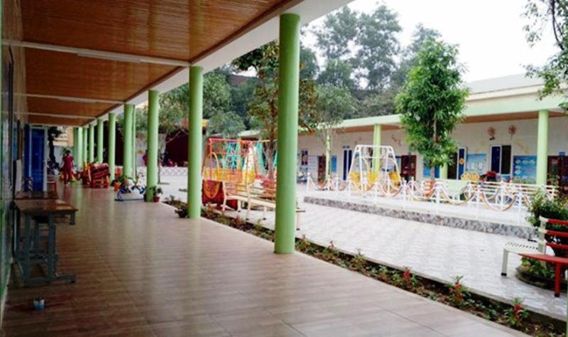 Nghệ An đang họp để xử lý việc nhiều cô giáo quỳ  - ảnh 2