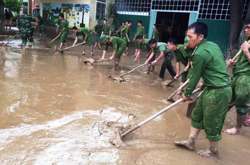 Lũ dữ gây thiệt hại nặng nề ở Nghệ An  - ảnh 1