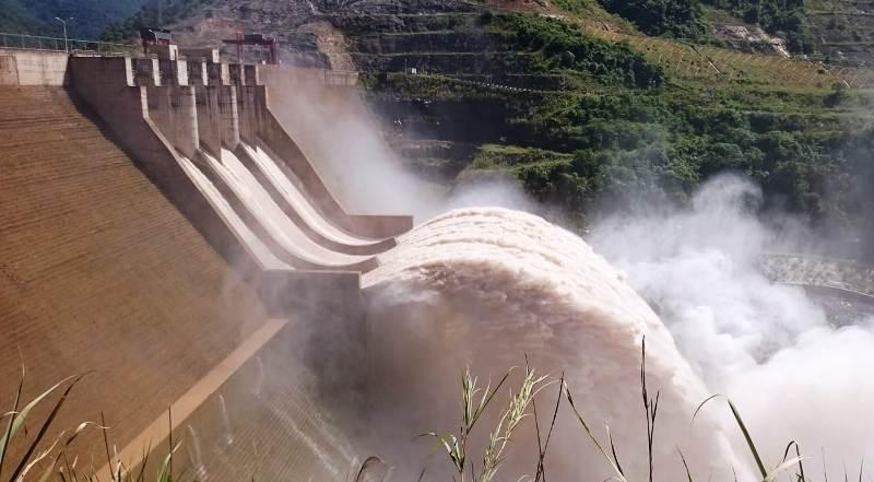 Thủy điện lớn nhất Bắc Trung bộ báo cáo việc xả lũ 'khủng' - ảnh 1