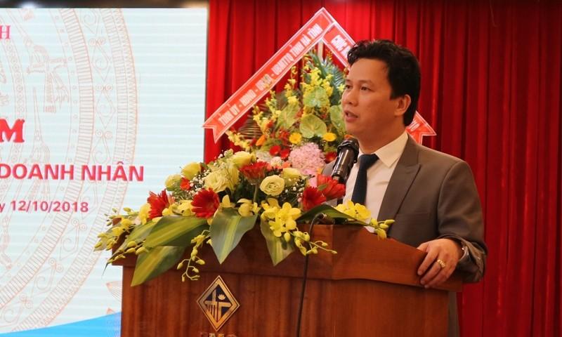 Chủ tịch tỉnh 42 tuổi đối thoại doanh nghiệp, doanh nhân - ảnh 1