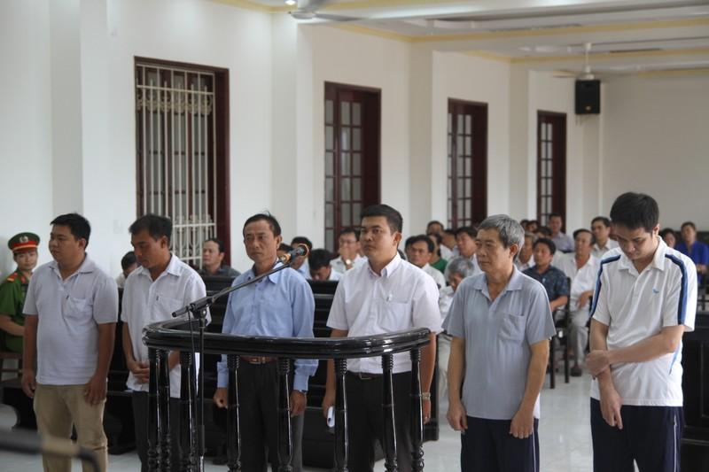 Trưởng phòng Công thương tham ô bị đề nghị 10-12 năm tù - ảnh 2
