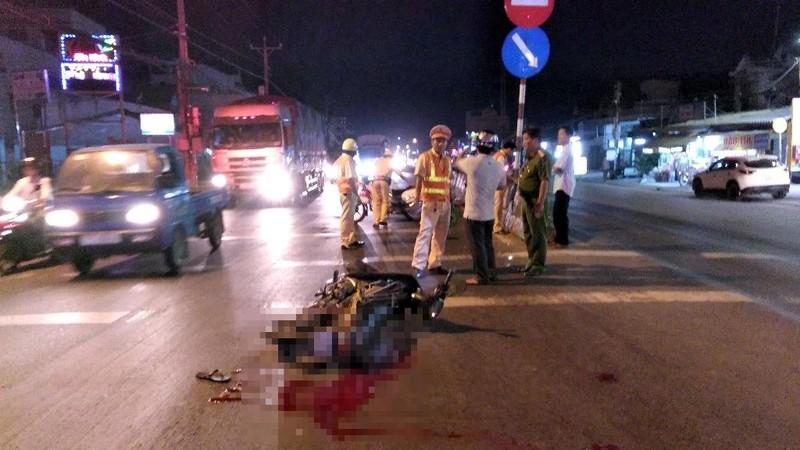 Truy tìm xe đầu kéo rời khỏi hiện trường sau tai nạn - ảnh 1