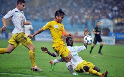 Đinh Thanh Trung lập hat trick đầu tiên ở V-League - ảnh 1