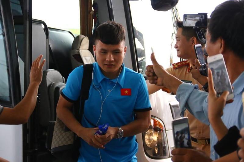 Đội tuyển Việt Nam bay gấp sang Malaysia quyết chiến chung kết - ảnh 8