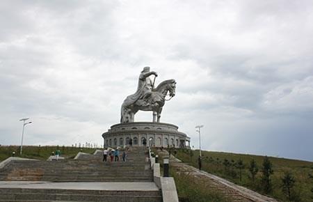 Phóng viên Cẩm Tú và những ngày băng qua thảo nguyên Mông Cổ - ảnh 2