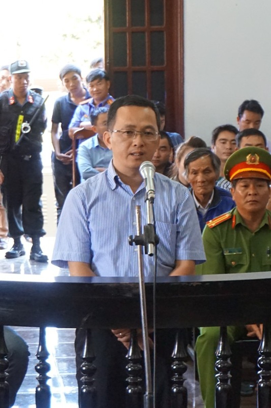 Bị cáo Nguyễn Văn Phúc từ chối trả lời nhiều câu hỏi của luật sư