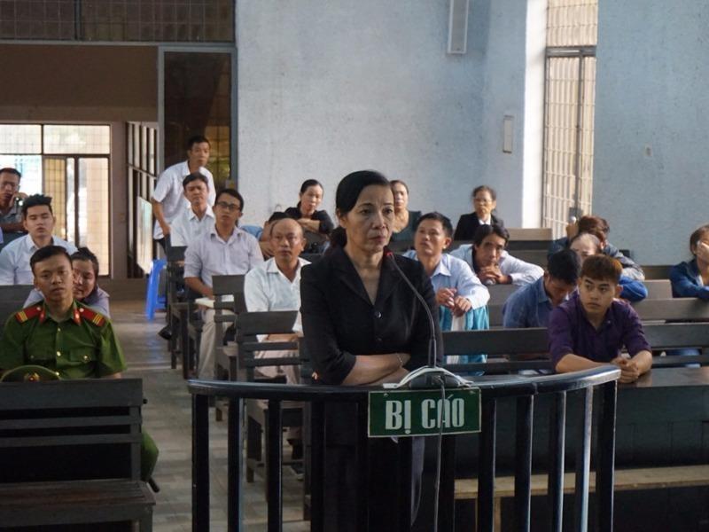Bị cáo Trương Thị Hoa tại tòa