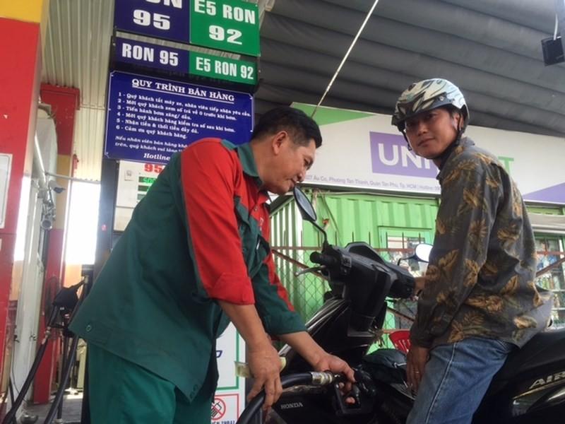 Xăng dầu có thể bị thao túng vì cơ chế thiếu minh bạch - ảnh 1