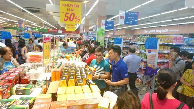 'Muốn khóc' khi buộc siêu thị chỉ được giảm giá 3 lần/năm - ảnh 1
