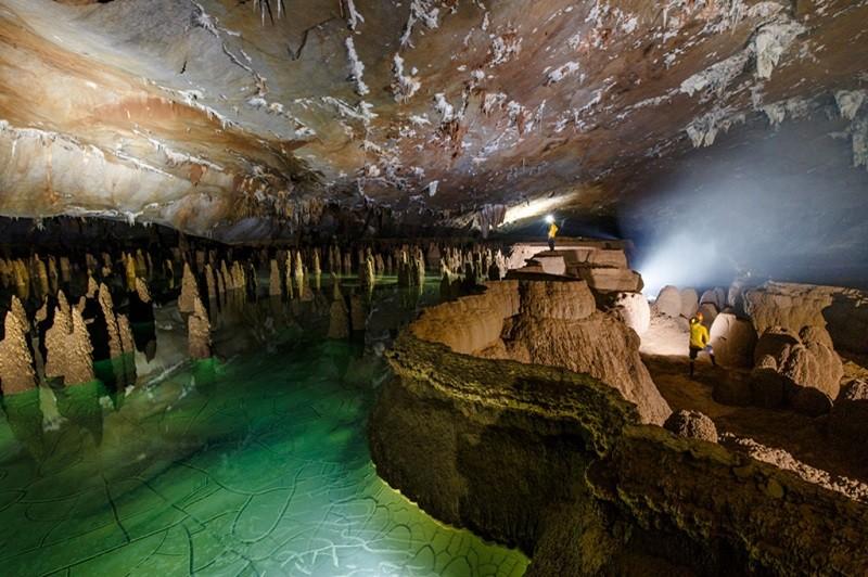 Đưa 5 hang động mới độc đáo, kỳ lạ vào tour du lịch  - ảnh 1