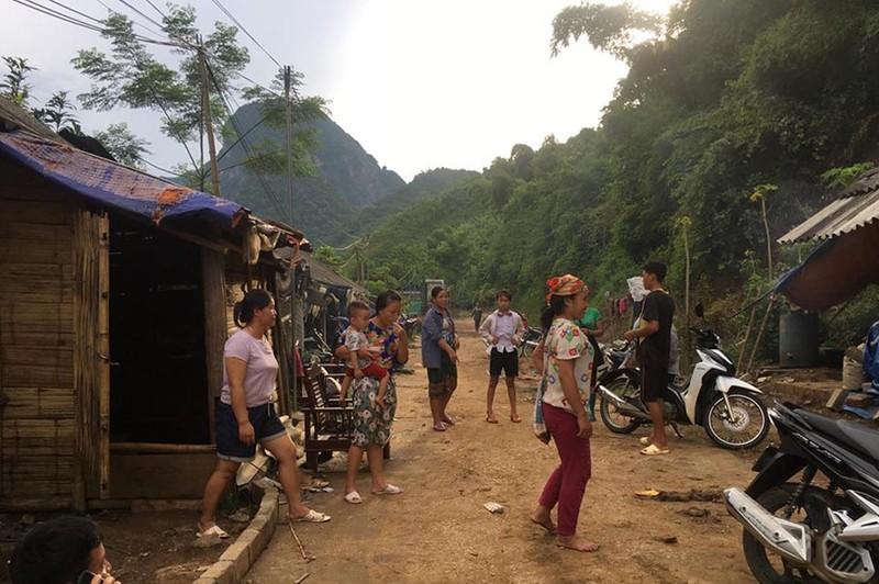 Hàng chục hộ bị lũ cuốn trong tích tắc dưới đỉnh 'Sài Khao' - ảnh 15