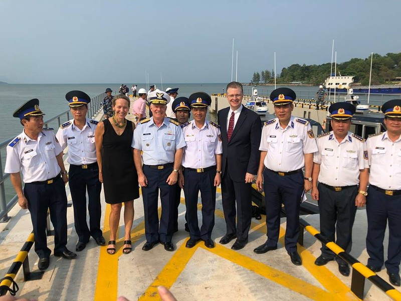 Mỹ bàn giao 6 xuồng tuần tra hiện đại cho Việt Nam - ảnh 1
