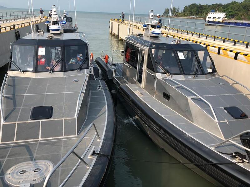 Mỹ bàn giao 6 xuồng tuần tra hiện đại cho Việt Nam - ảnh 2