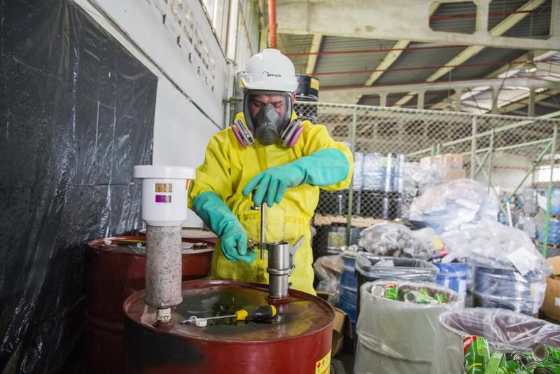 Tìm kiếm giải pháp xử lý chất thải công nghiệp - ảnh 1