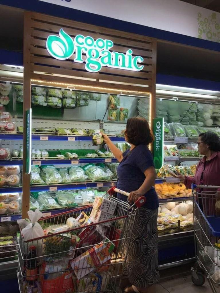 Sản phẩm organic 'xịn' cháy hàng ở Co.opmart - ảnh 2